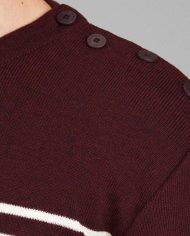 Burgundy shouldersquare